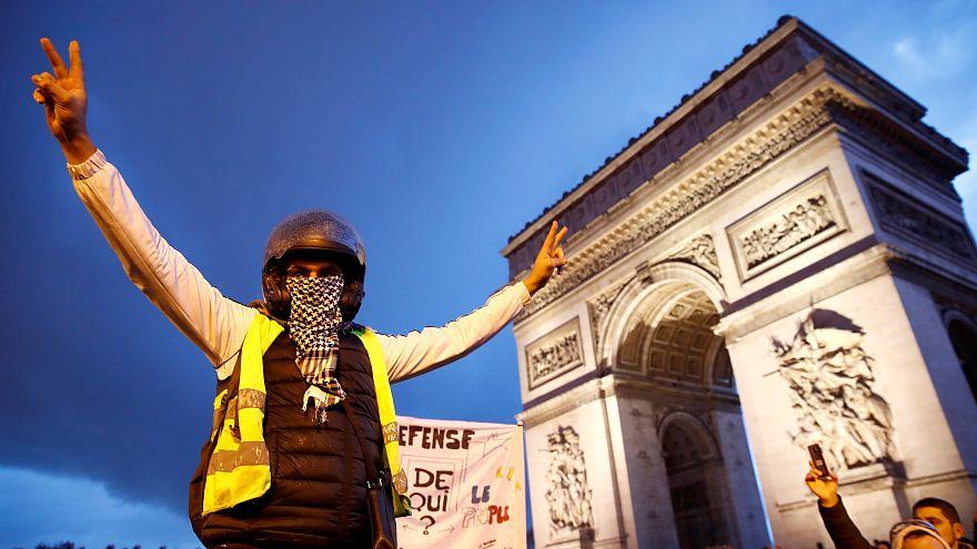 El Gobierno francés endurece el tono contra la violencia de los chalecos amarillos
