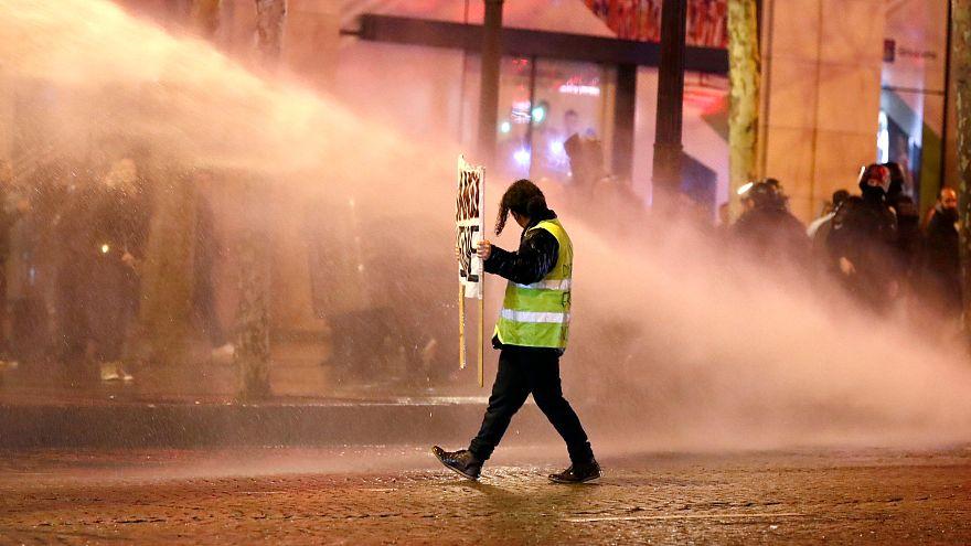 Wieder Gelbwesten-Proteste in Frankreich: 200 Festnahmen