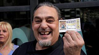 El Gordo de la Lotería de Navidad cae en el 3.347 y queda muy repartido en toda España