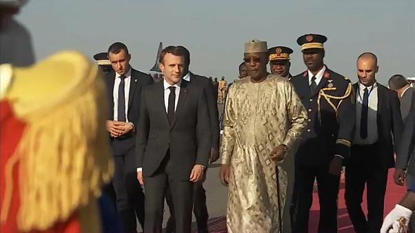 Macron takes his chef & celebrities to entertain the troops in Chad
