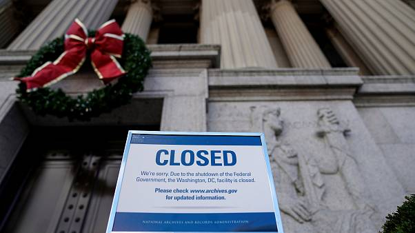 EEUU cumple su primer día de cierre parcial de sus servicios federales