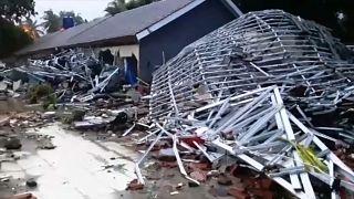 Индонезия: число жертв цунами растет