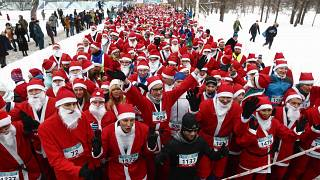 Thousands join annual Santa run in St Petersburg