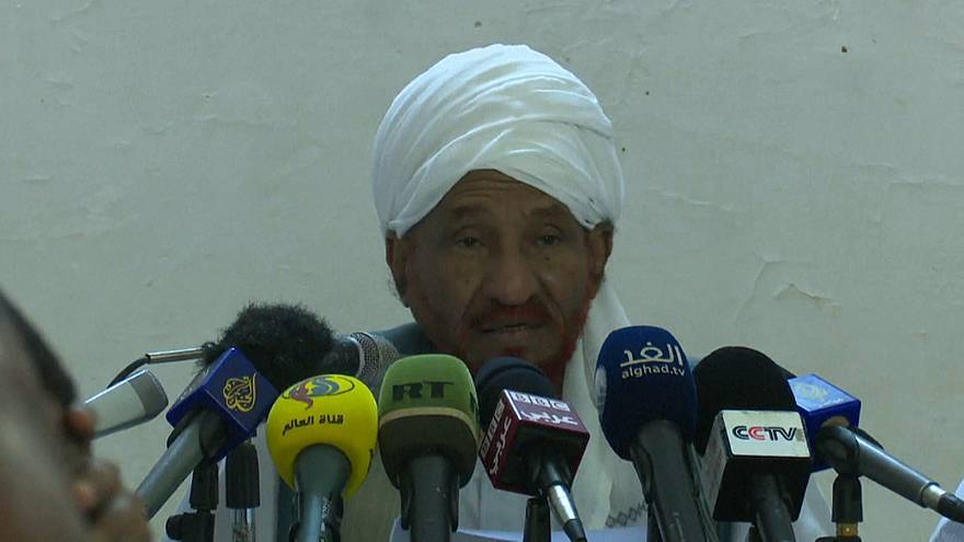 مظاهرات السودان: الصادق المهدي يؤكد مقتل 22 شخصا على الأقل