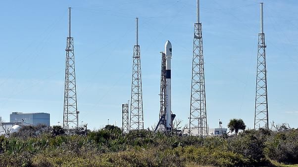SpaceX 500 milyon dolarlık uydu taşıyan Falcon 9 roketini uzaya gönderdi