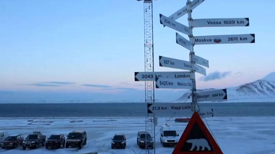 'Upsetting and scary for everyone:' Russian with gun robs bank on remote Arctic archipelago Svalbard