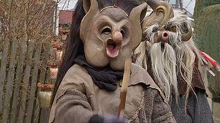 En Allemagne, des monstres dansent pour effrayer l'hiver