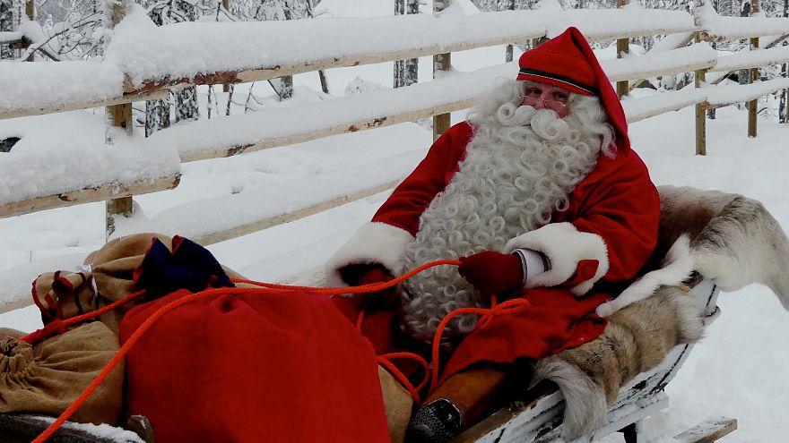 Papá Noel se prepara para su clásico periplo navideño