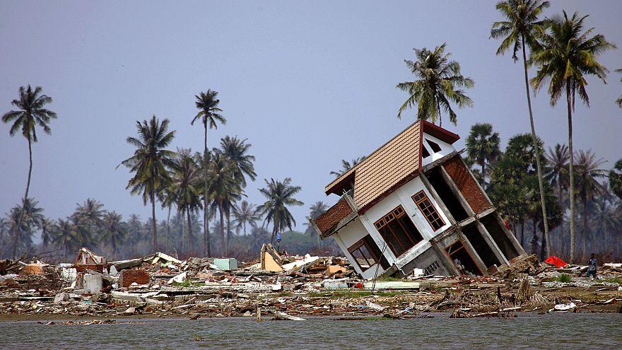 ارتفاع حصيلة قتلى تسونامي إندونيسيا إلى 280 شخصاً