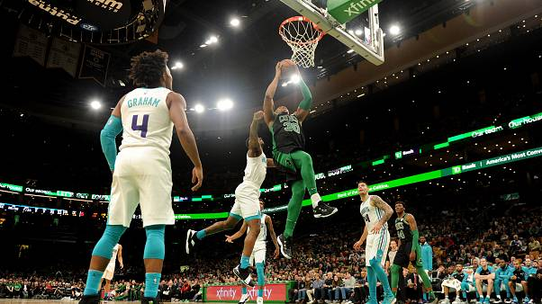 Nba: Boston si risolleva contro gli Hornets