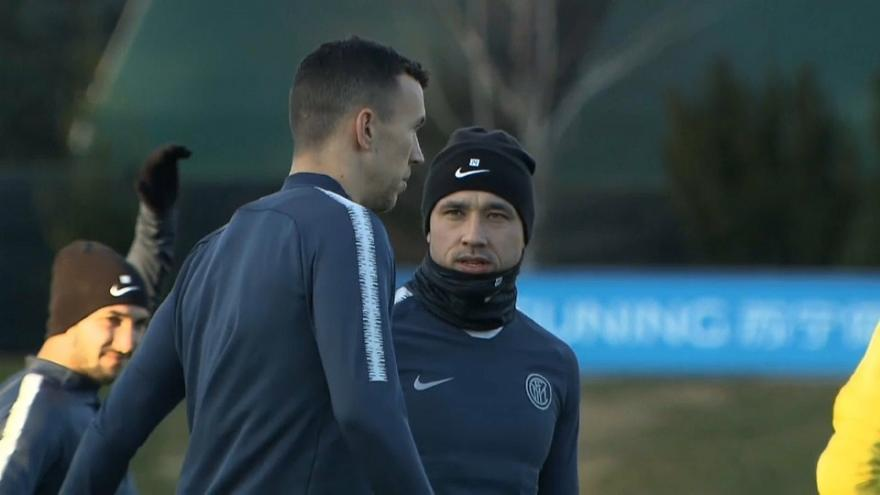 Arriva in ritardo all'allenamento, l'Inter sospende Nainggolan