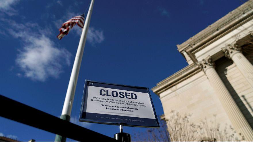 افزایش نگرانیها از چشم انداز اقتصادی آمریکا پس از تعطیلی دولت فدرال