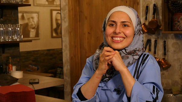 """مطعم ملكة جزماتي السوري يستحضر """"روح الوطن"""" في قلب برلين"""