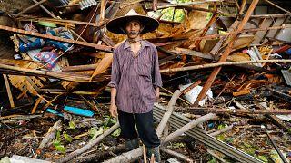 Tsunami na Indonésia deixa rasto de vítimas e destruição