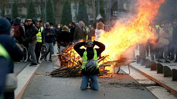 تاکید دولت فرانسه بر مقابله با «یهودی ستیزی» جلیقه زردها