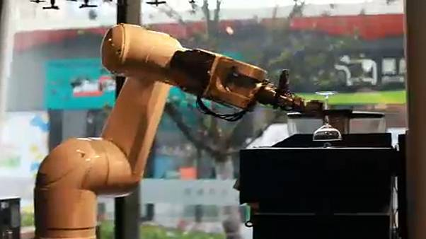 Ξενοδοχείο τεχνητής νοημοσύνης από το μέλλον άνοιξε στην Κίνα