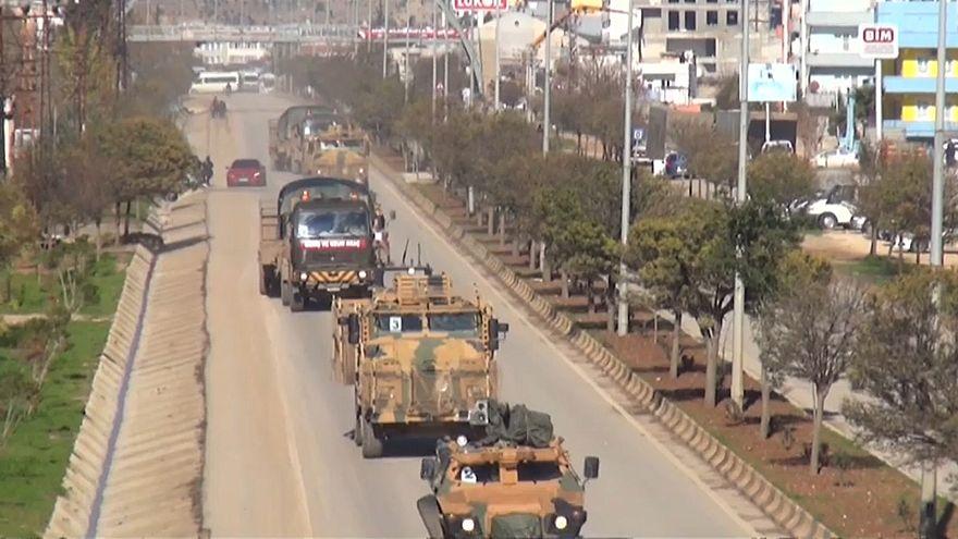 شاهد: التعزيزات العسكرية التركية على جانبي الحدود مع سوريا