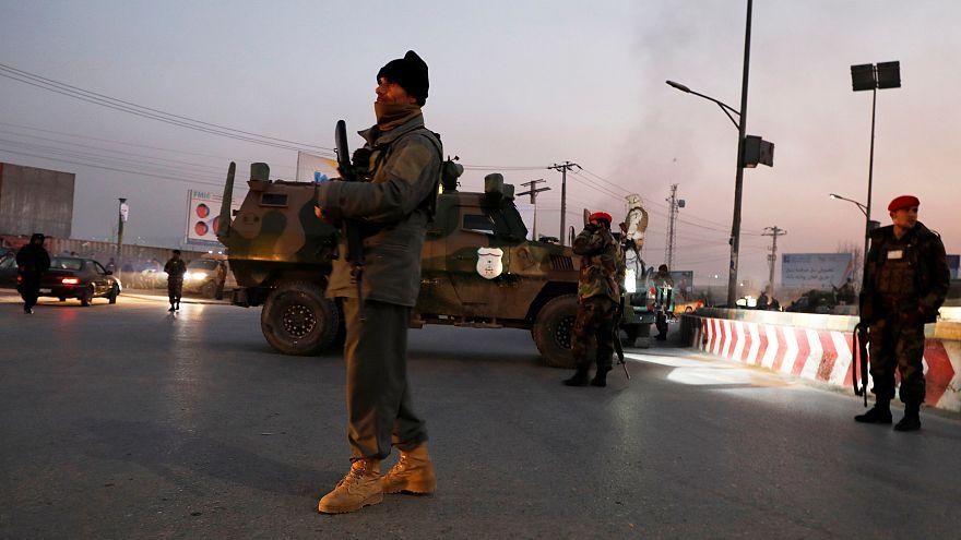 Başkent Kabil'de bombalı araç saldırısının ardından 7 saat süren çatışma