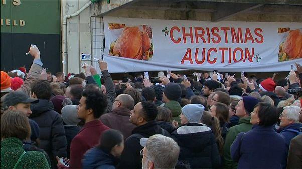 شاهد: مزاد علني لبيع اللحوم في لندن بمناسبة الأعياد