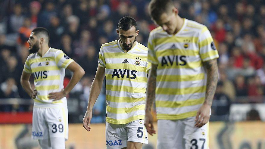 Fenerbahçe galibiyete hasret kaldı, ligin ilk yarısını düşme hattında tamamladı: 0-0