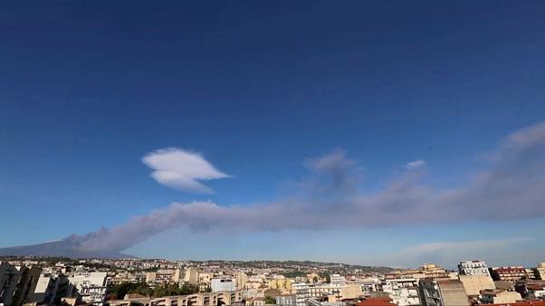 Sciame sismico, l'Etna si risveglia la Vigilia di Natale
