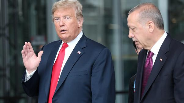 بعد قرار الانسحاب.. دعوة من أردوغان إلى ترامب لزيارة تركيا في العام 2019