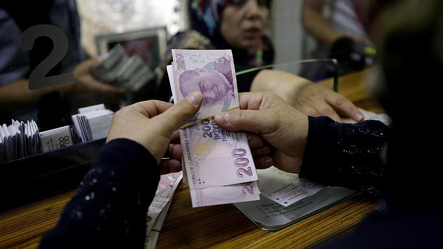 Asgari ücret yüzde 26 artışla 2 bin 20 TL oldu