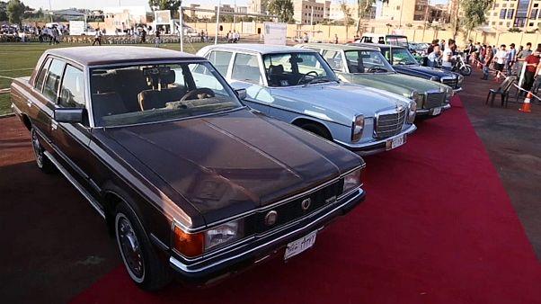 شاهد: بعد طيّ صفحة داعش.. معرض للسيارات الكلاسيكية في الموصل