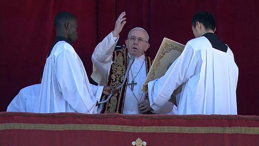 شاهد: البابا فرانسيس يدعو للاخاء رغم الفروقات والاختلافات