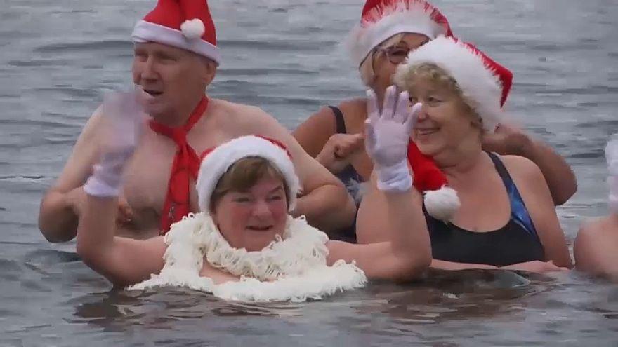 Karácsonyi úszás a berlini fagyban
