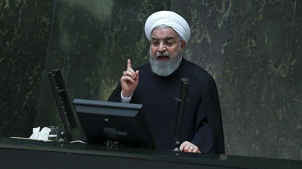 روحاني يقدم موازنة حجمها 47 مليار دولار إلى البرلمان الإيراني