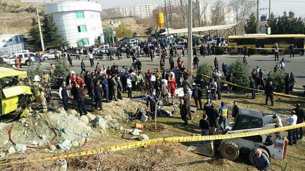 جزئیات حادثه واژگونی اتوبوس دانشجویان علوم و تحقیقات