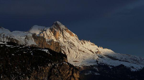 33-jährige Snowboarderin stirbt bei Lawinenunfall in Österreich
