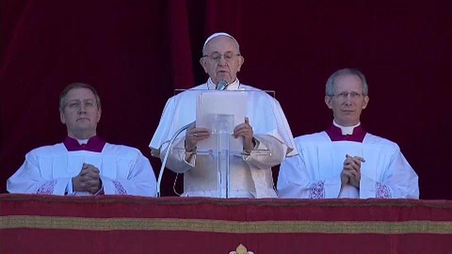 Papa Francis'ten Noel mesajı: Farklılıklar tehlike değil, zenginliktir