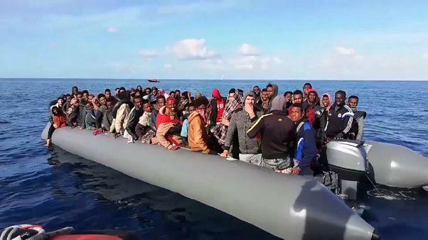 السلطات الفرنسية تعيد مهاجرين حاولوا التسلل إلى إنجلترا
