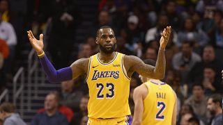 NBA yıldızı LeBron James, 'Yahudi parası' şarkı sözü için özür diledi