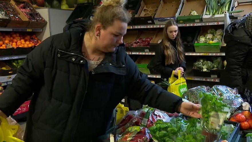 Supermercados da Dinamarca dão comida para ajudar os mais pobres
