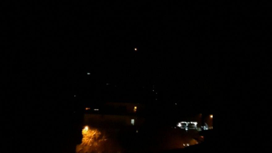 الدفاعات الجوية السورية تتصدى لصواريخ إسرائيلية فوق دمشق وتسقطها قبل الوصول