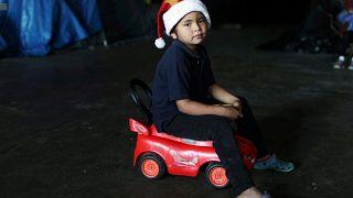 """""""Ein bisschen Wärme"""": Weihnachtsgeschenke für Migranten in Tijuana"""