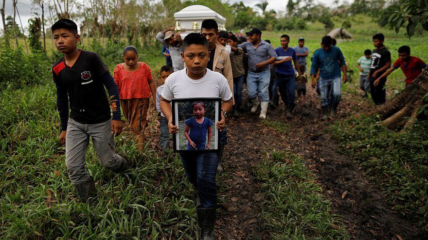 غواتيمالا: تشييع جنازة طفلة توفيت أثناء احتجازها بالولايات المتحدة