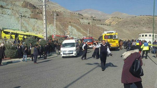 حادثه واژگونی اتوبوس دانشجویان در تهران؛ شمار قربانیان به ۱۰ نفر رسید