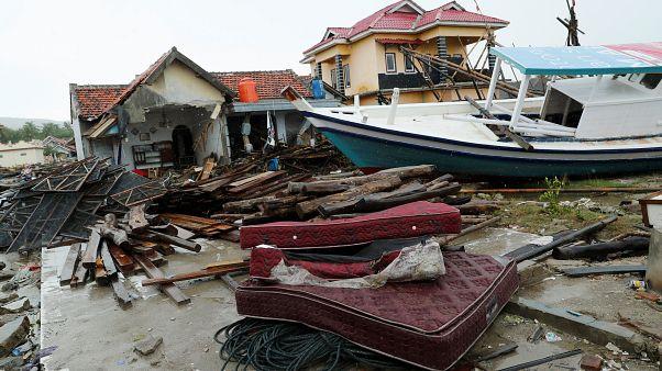 """إندونيسيا تحذر من """"طقس متطرف"""" قرب بركان كراكاتاو"""