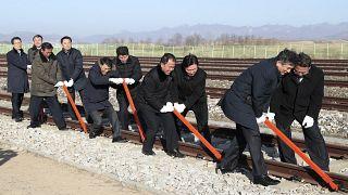 КНДР и Южная Корея восстанавливают железнодорожное сообщение
