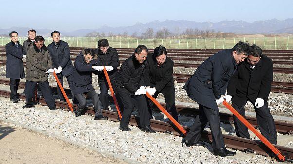 Las dos Coreas celebran simbólicamente su reconexión ferroviaria