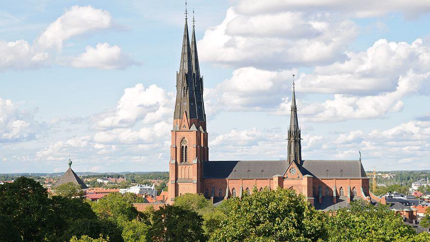 İsveç'te nakit paranın azalmasıyla kiliseler bağış için yeni yöntemler geliştirdi