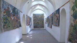مركز فني يسعى للحفاظ على إرث مصر في صناعة السجاد اليدوية