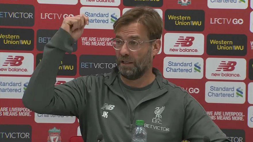 كلوب يهدد برمي الميكروفون إذا سُئل لاعبو ليفربول هذا السؤال