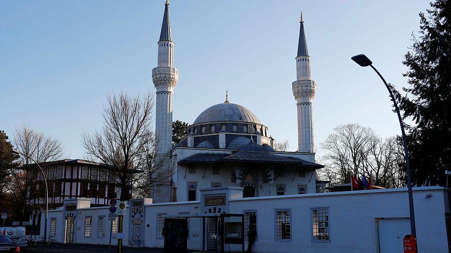 """L'Allemagne réfléchit à instaurer une """"taxe mosquée"""""""