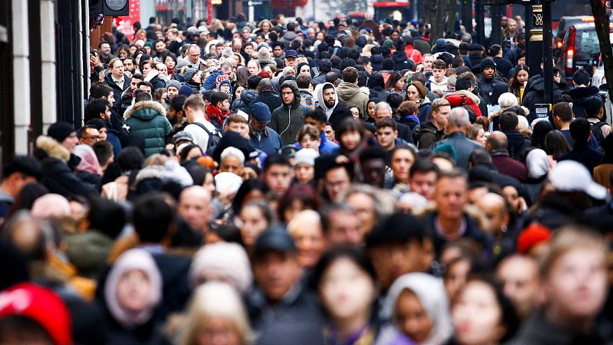 Μεγάλες εκπτώσεις, μικρή αγοραστική κίνηση στο Λονδίνο