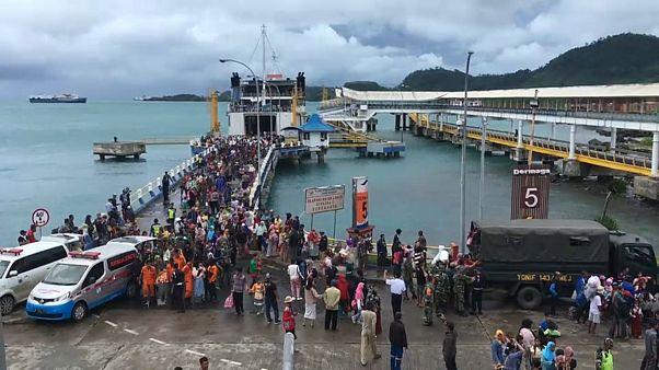 Más de 21.000 desplazados en Indonesia